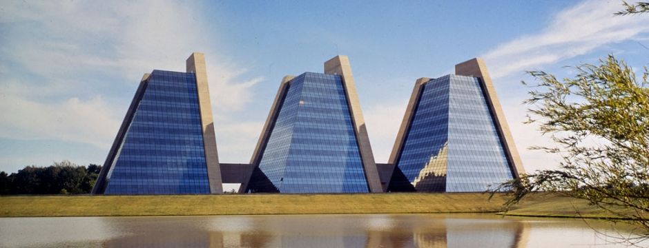 College Life Insurance Company Headquarters, Indianapolis, Indiana, 1971. Courtesy Kevin Roche John Dinkeloo and Associates.